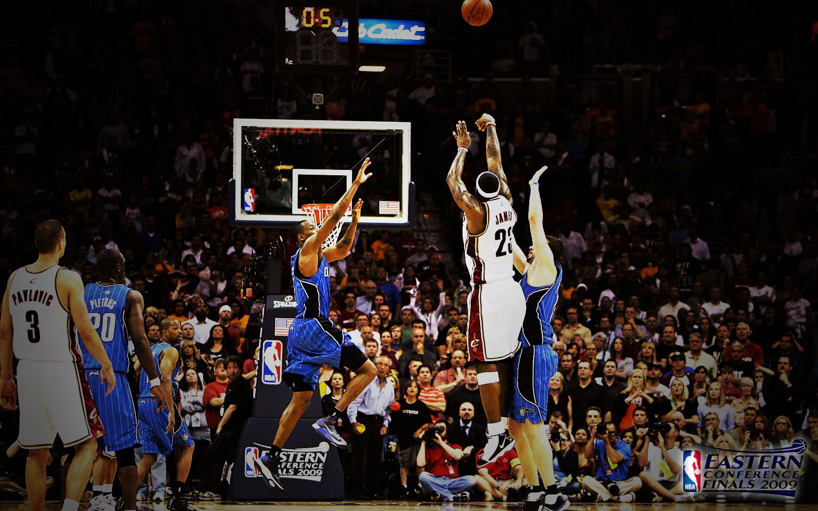 LeBron James 2009 Buzzer Beater Widescreen Wallpaper