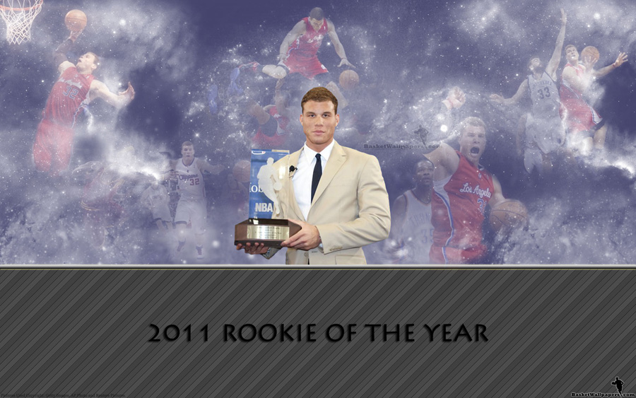 Blake Griffin Rookie Of Year Trophy Widescreen Wallpaper